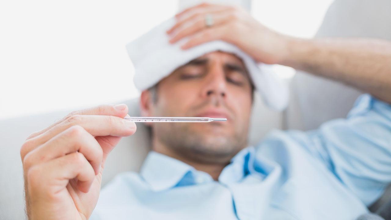 البريطانيون المطعمون يصابون بالفيروس مع ظهور أعراض فريدة!
